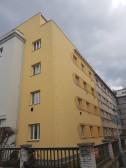 Rekonstrukce fasády bytového domu Na Veselí 1266, Praha č.2